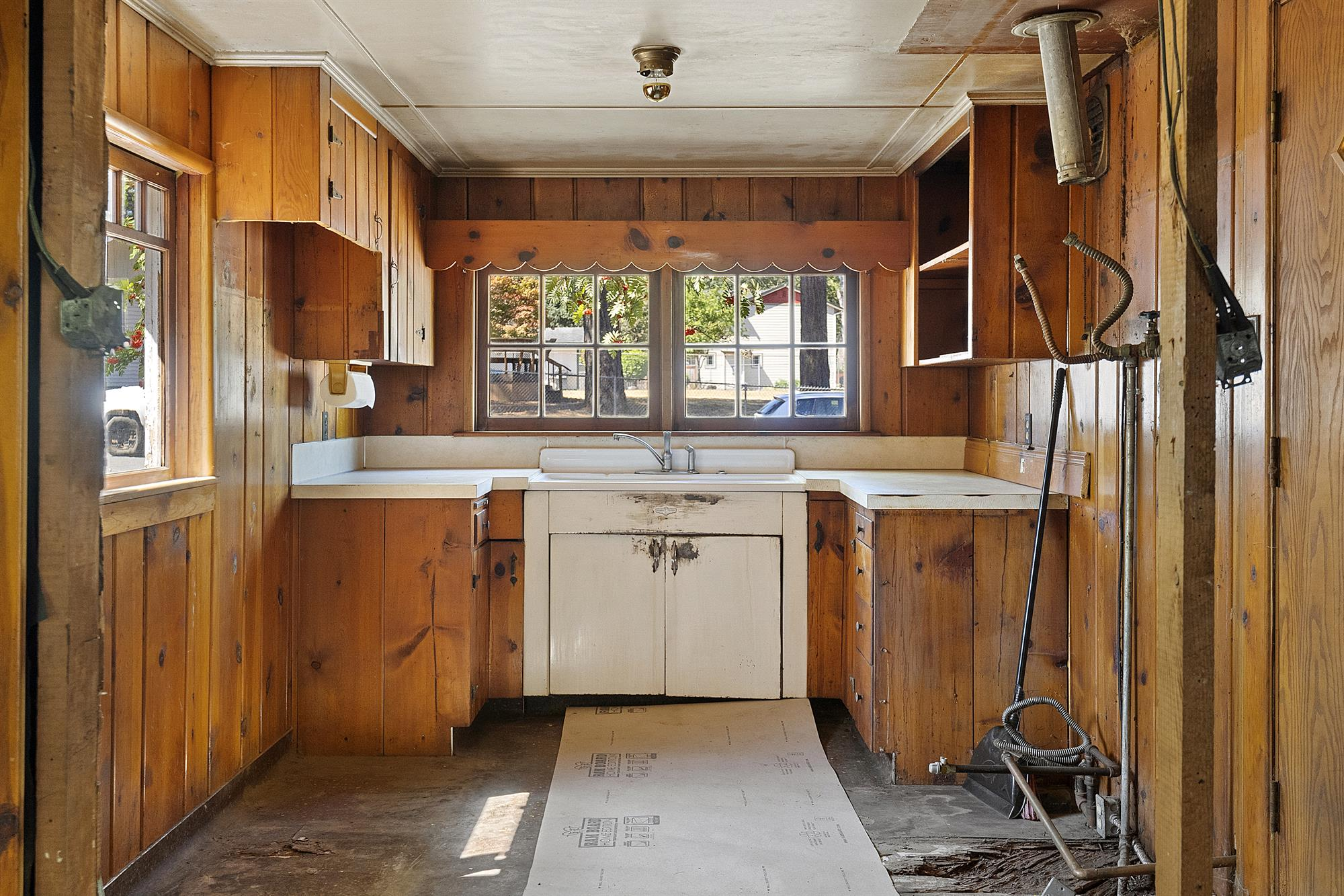 Kitchen with gas supply