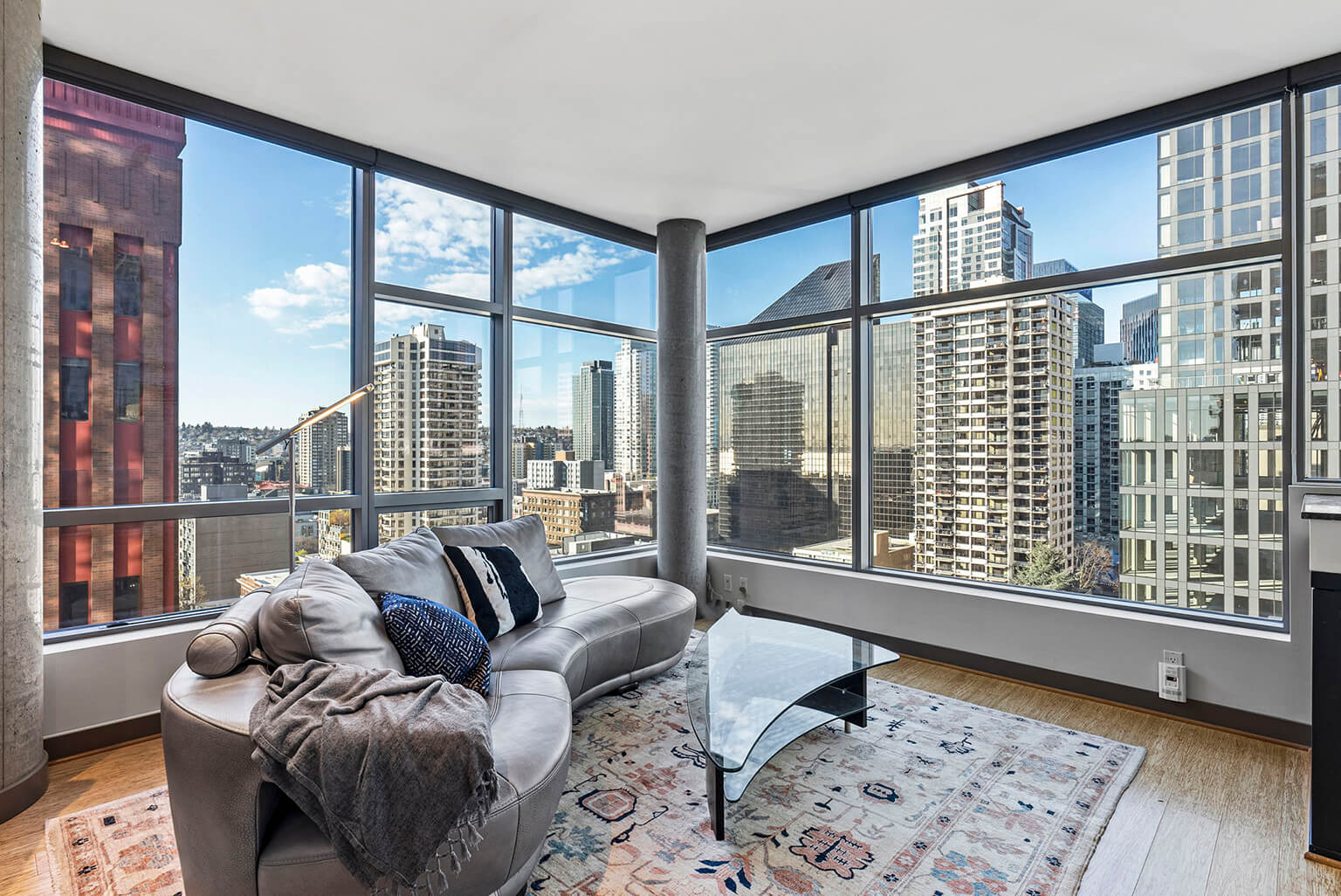 Stunning city views from this 11th floor corner unit
