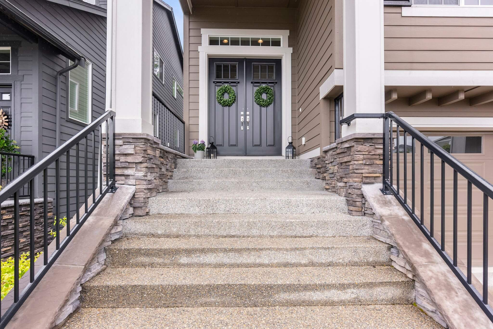 Covered double door front entry