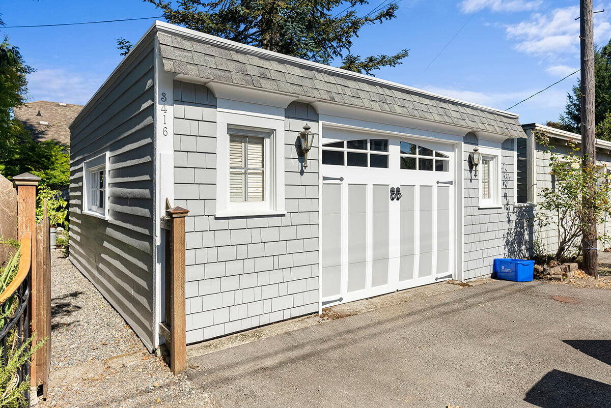 Over-sized one car garage off the alley could be retrofitted to accommodate two cars